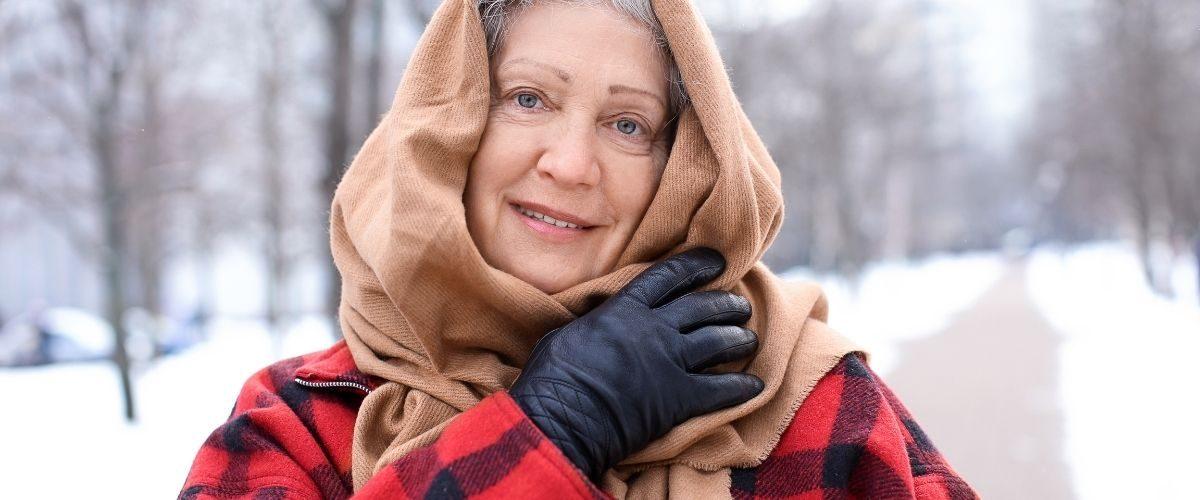 opieka nad seniorem zimą